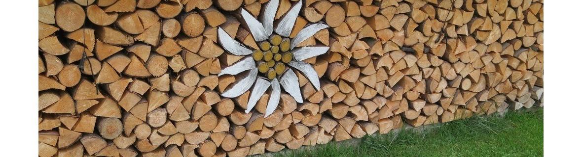 Jak przechowywać drewno kominkowe