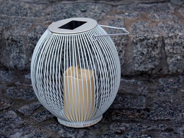 Ażurowe lampiony – dyskretne koronkowe refleksy światła