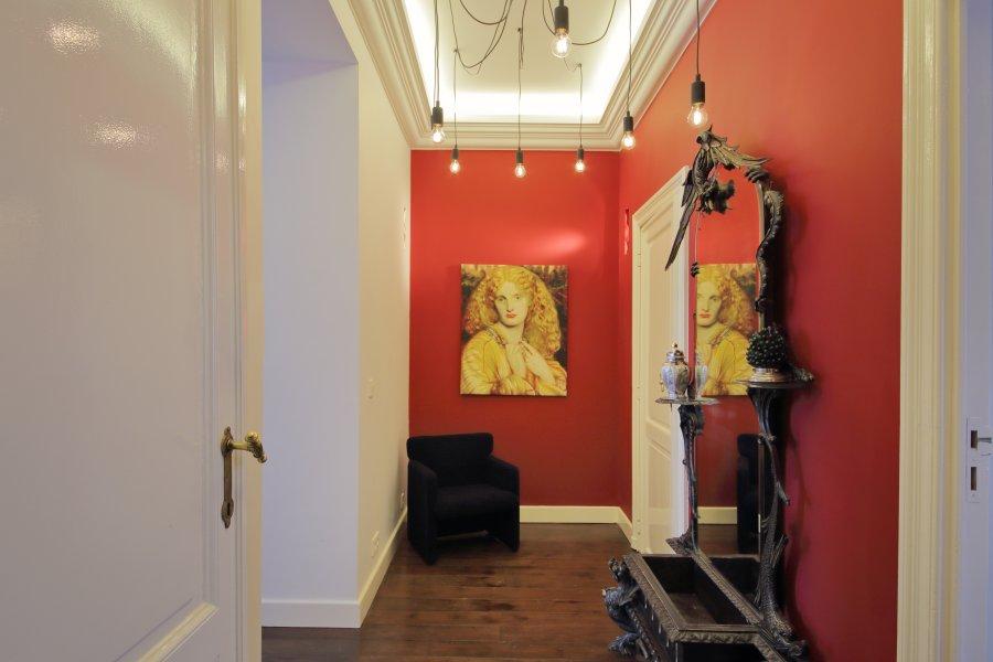Pomysł na ścianę w przedpokoju – aranżacje, inspiracje