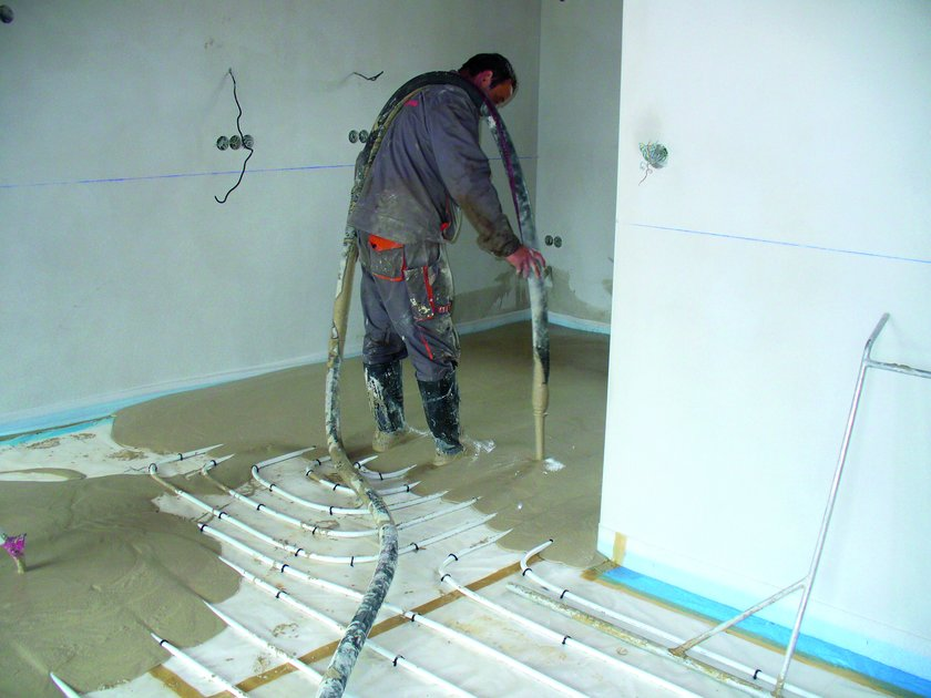 Wylewanie podkładu pływającego z ogrzewaniem podłogowym