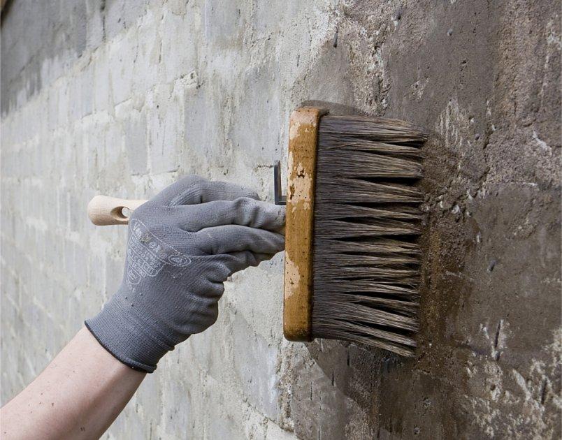 Gruntowanie podłoża (fot. Botament®)