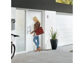 Dzięki grubej płycie i wielopunktowemu ryglowaniu drzwi ThemoPro Plus firmy Hörmann stanowią dobre zabezpieczenie przed włamaniem.
