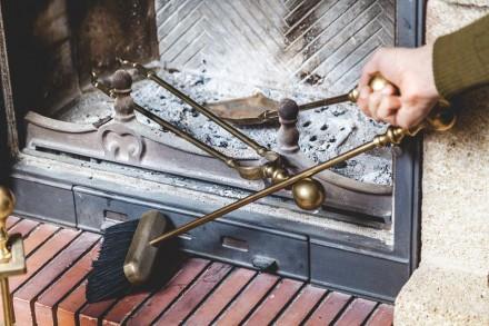 Czyszczenie kominka nie jest trudne i czasochłonne - wystarczy pracę tę wykonywać systematycznie