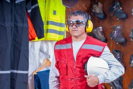 Okulary ochronne skutecznie zabezpieczają wrażliwe oczy