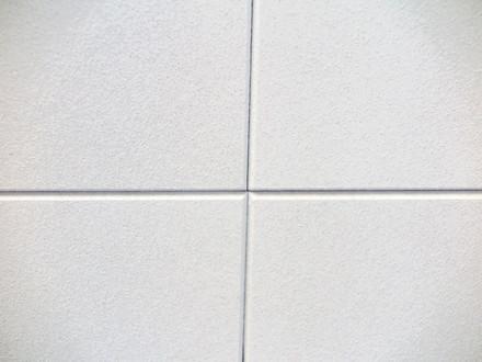 Fot. 3. Fot. Armstrong  Płyty Ultima+ Finesse dzięki specjalnej technice łączenia sprawiają, że ruszt nośny sufitu podwieszanego jest niewidoczny. Źródło ARMSTRONG