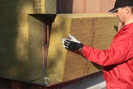 Ocieplenie z wełny mineralnej gwarantuje dużą paroprzepuszczalność (fot. Rockwool)