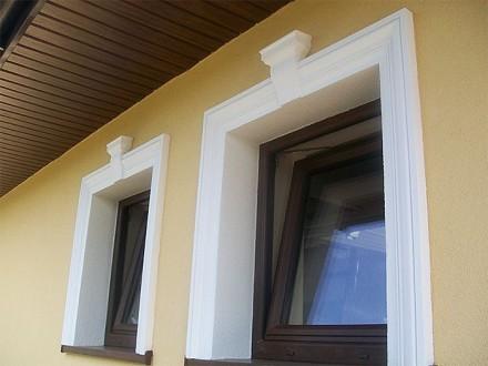 Opaski okienne zmieniają wygląd całej elewacji (fot. Pinterest)