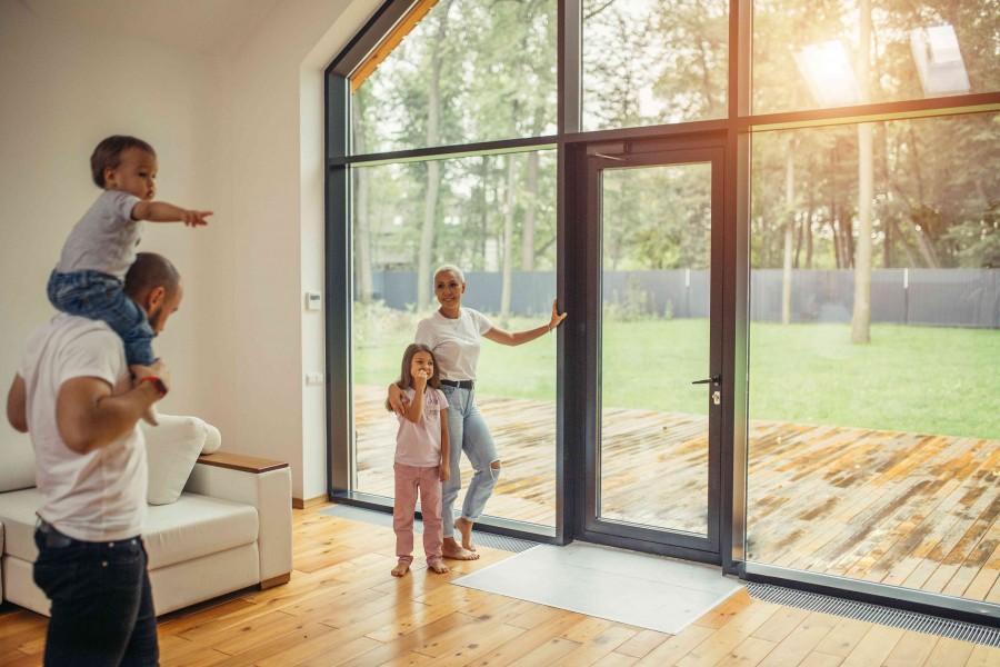 Nowe przepisy WT 2021 wymagają, by okna miały bardzo dużą izolacyjność termiczną, czyli miały jak najniższy współczynnik przenikania ciepła U