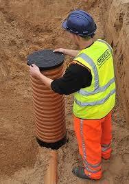 Przyłączenie kanalizacji do studzienki