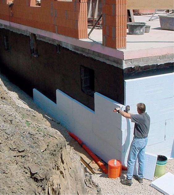 Właściwe ocieplenie fundamentów poprawia bilans cieplny domu (fot. Knauf)