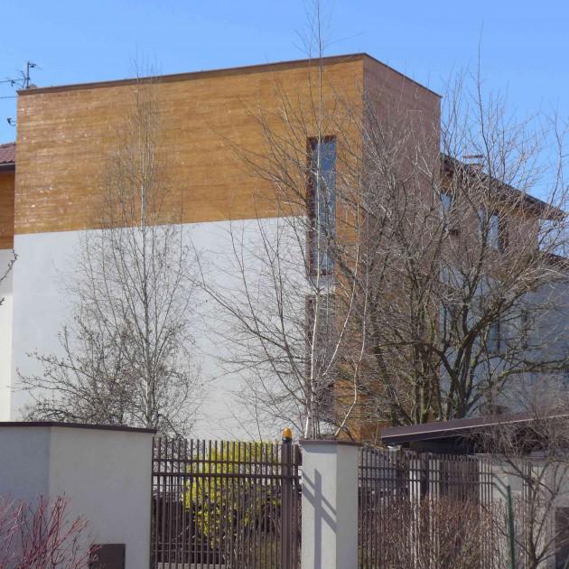 Nowoczesny dom często przekryty jest dachem płaskim (fot. K. Jankowska)