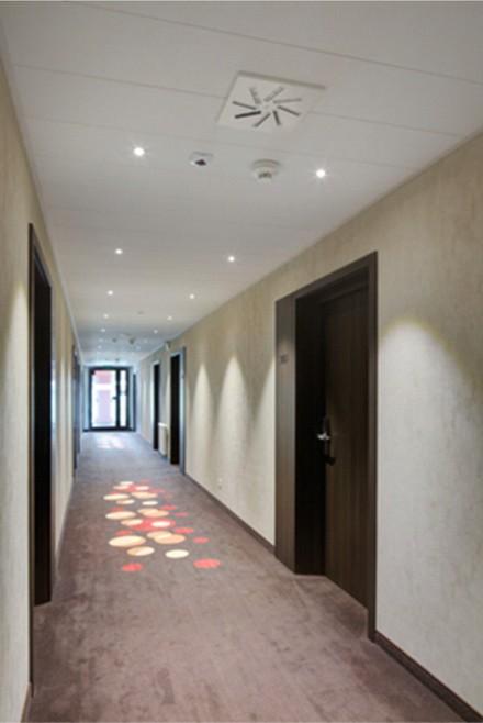 Sufit z zastosowaniem Systemu F, hotel w Busku-Zdroju