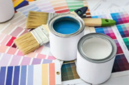"""Zdj. 1. Zamiast podejmować decyzję przed sklepową półką, """"zabierzmy kolory"""" do domu i przetestujmy w naszych wnętrzach."""