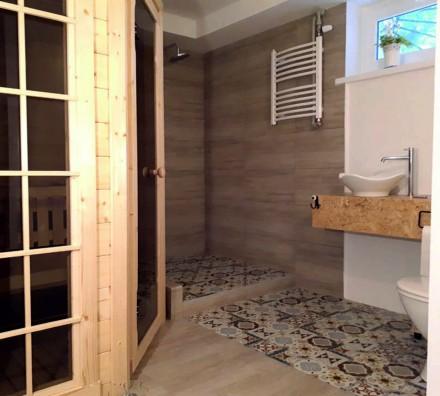 W piwnicy można stworzyć dodatkową łazienkę i miejsce do odpoczynku