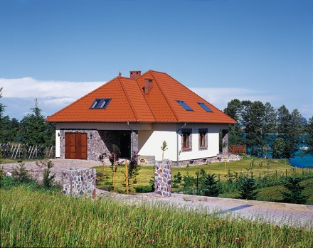 Dachówki cementowe dobrze wyciszają i izolują termicznie poddasze