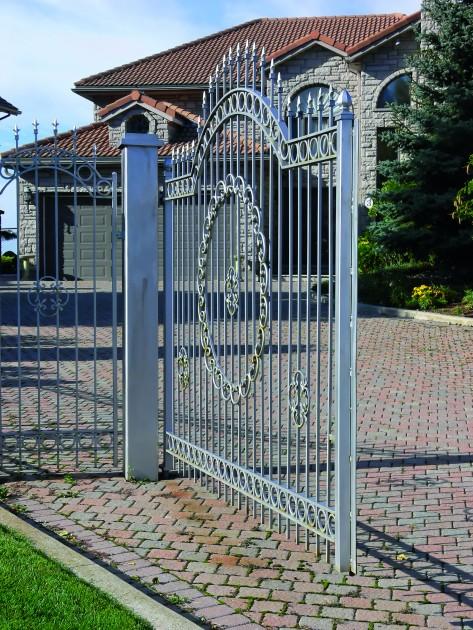 Brama wjazdowa powinna być dopasowana do ogrodzenia