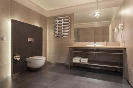 Grzejnik łazienkowy oprócz roli praktycznej, musi być także dopasowany do aranżacji pomieszczenia