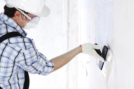 Przed malowaniem wszelkie ubytki muszą zostać usunięte