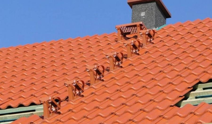 Najlepiej, jeśli pokrycie dachowe i elementy komunikacji pochodzą od jednego producenta
