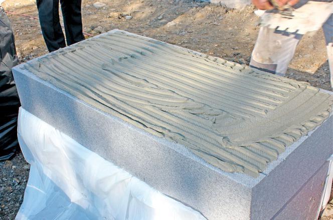 Styropian grafitowy bardzo często wykorzystywany jest do ocieplenia ścian zewnętrznych (fot. Knauf)