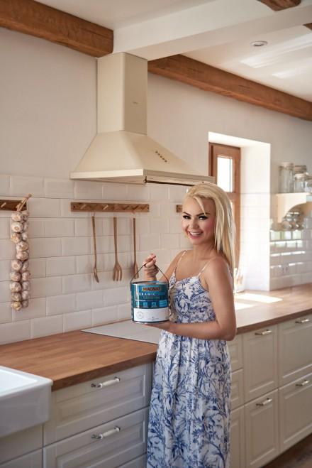 Zdj. 2. Ściany pomalowane farbą Magnat Ceramic Kitchen&Bathroom na długo pozostają czyste, a ich kolor wyrazisty i świeży. Źródło: Blog https://www.ladyofthehouse.pl/