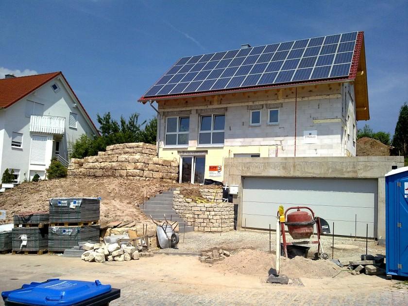 Do budowy domu niezbędny jest różny sprzęt budowlany - wszystko zależy do zakresu prac