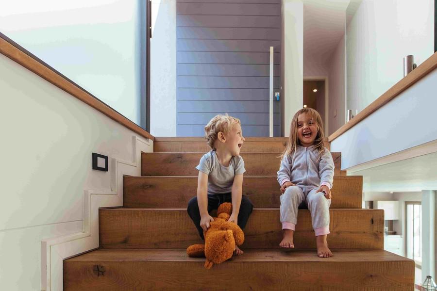 Schody prowadzące do strefy nocnej nie mogą zakłócać codziennego funkcjonowania domowników