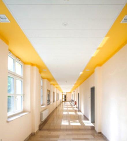 Sufit z zastosowaniem Systemu F, budynek administracji w Dolnej Bawarii