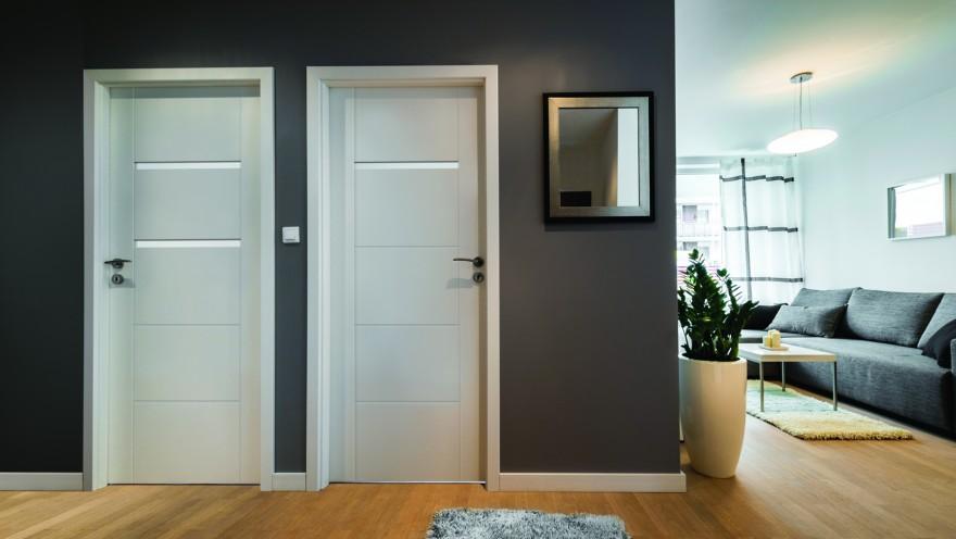 Zdj. 5. Białe drzwi nadal są hitem. Aranżacja wnętrza z wykorzystaniem modelu PASSO. Źródło: Archiwum POL-SKONE.