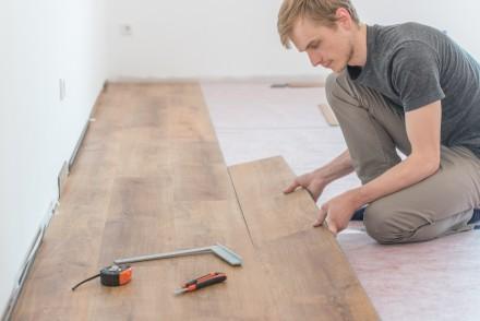 Panele podłogowe można układać samodzielnie