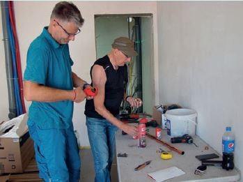 Przygotowanie rur i kształtek do montażu.