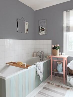 """Do malowania łazienki wybierzmy farby oznaczone jako """"Kuchnia i łazienka"""""""