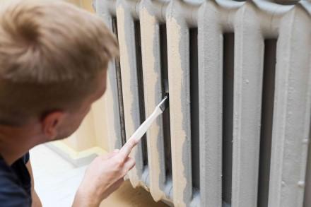 Do pomalowania grzejnika należy wybrać farbę odporną na wysokie temperatury