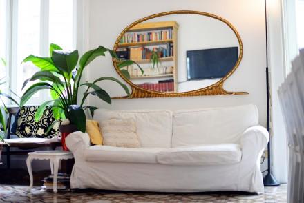 Lustro we wnętrzu jest elementem dekoracyjnym
