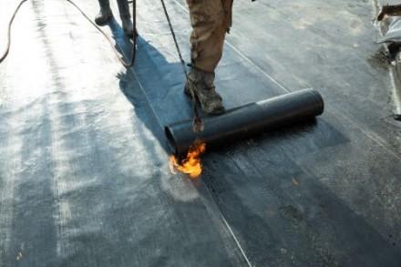 Uszczelnianie dachu papą termozgrzewalną
