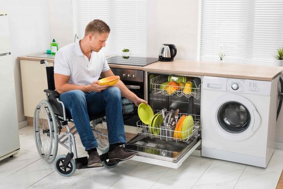 Kuchnia przyjazna to taka, w której osoba niepełnosprawna ma możliwość wykonania wszystkich czynności przeznaczonych dla tego pomieszczenia