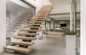 Kształt i konstrukcja wygodnych schodów wewnętrznych