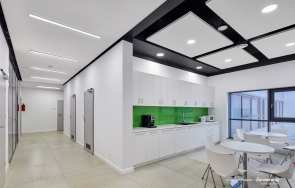 zdjęcie: Sufity podwieszane do korytarzy - nowoczesne rozwiązania ARMSTRONG