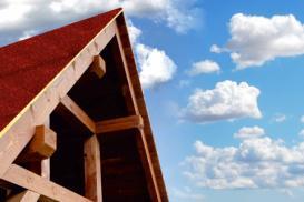 IZOLMAT superdach 20 – szybkie i łatwe pokrycie drewnianych dachów skośnych!