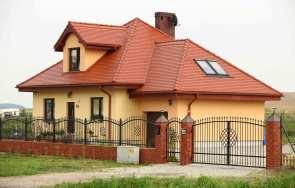 Przegląd dachu – na co zwrócić uwagę
