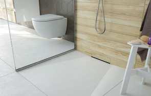 Prysznic bez brodzika – ważna hydroizolacja i zaprawa do płytek