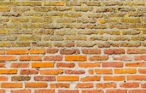 Piaskowanie elewacji z cegły – kiedy warto zastosować