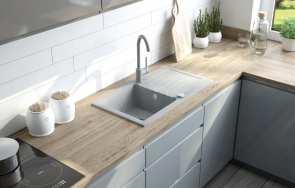 Stal kontra granit, który zlewozmywak i akcesoria wybrać do modnej kuchni?