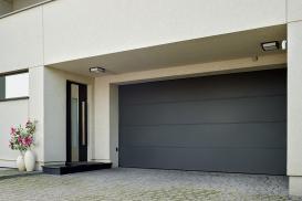 Brama, okna, drzwi i ogrodzenie w jednym designie - rozwiązanie dające wiele korzyści