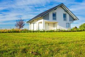 Dom energooszczędny – ukształtowanie terenu sprzyjające oszczędzaniu energii