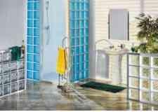 budowa-kabiny-prysznicowej-z-pustakow-szklanych