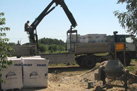 Transport na budowie – przewożenie ciężkich ładunków