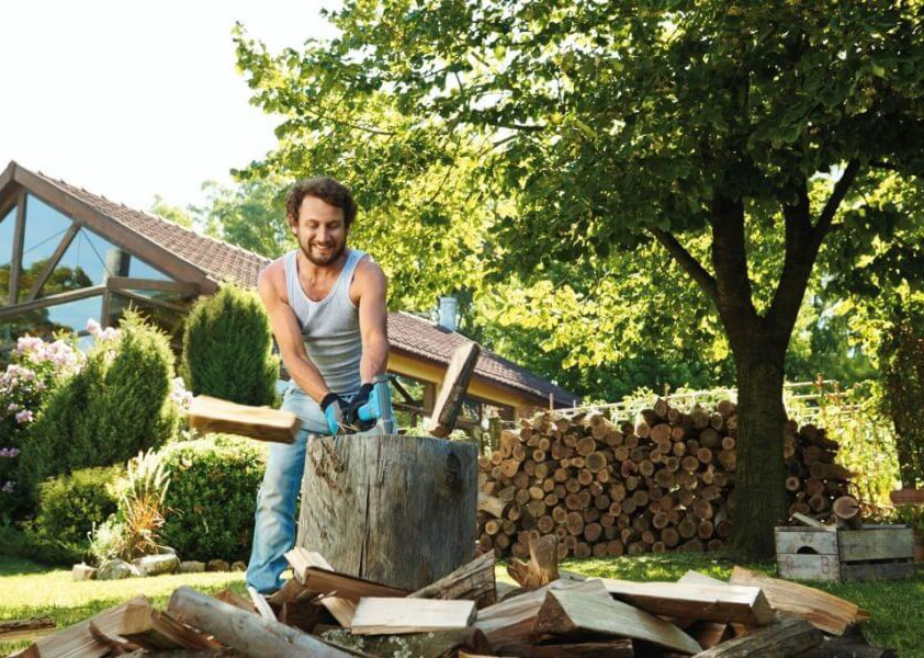 jak-i-czym-rabac-drewno-siekiera-czy-luparka-do-drewna