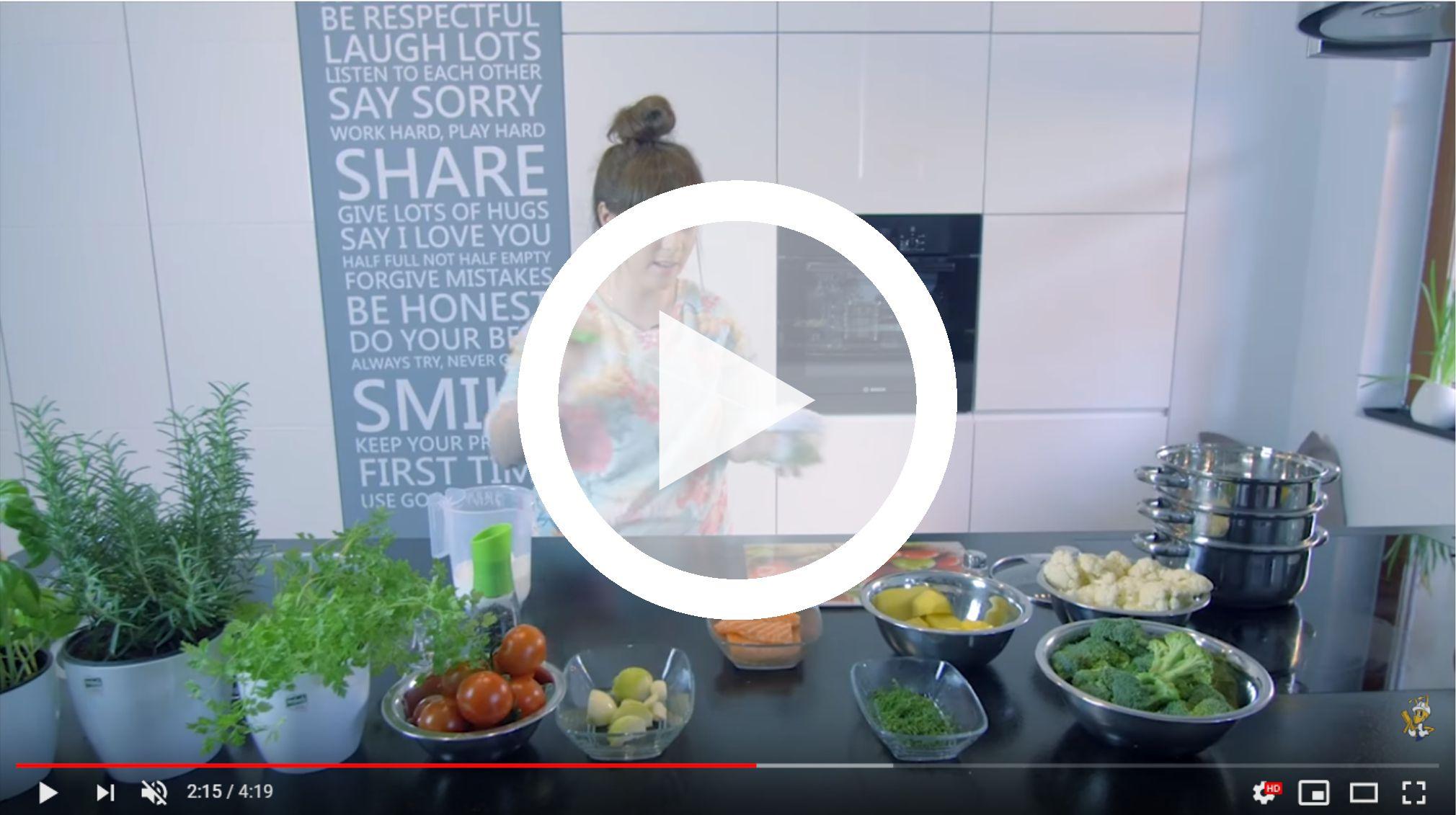 gotuj-z-galicja-warzywa-z-lososiem-w-ziolowym-sosie