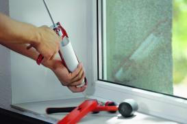 Silikony, pianki i taśmy stosowane do uszczelniania okien oraz drzwi